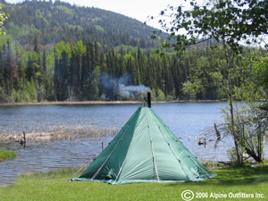 lake-camping-tipitent